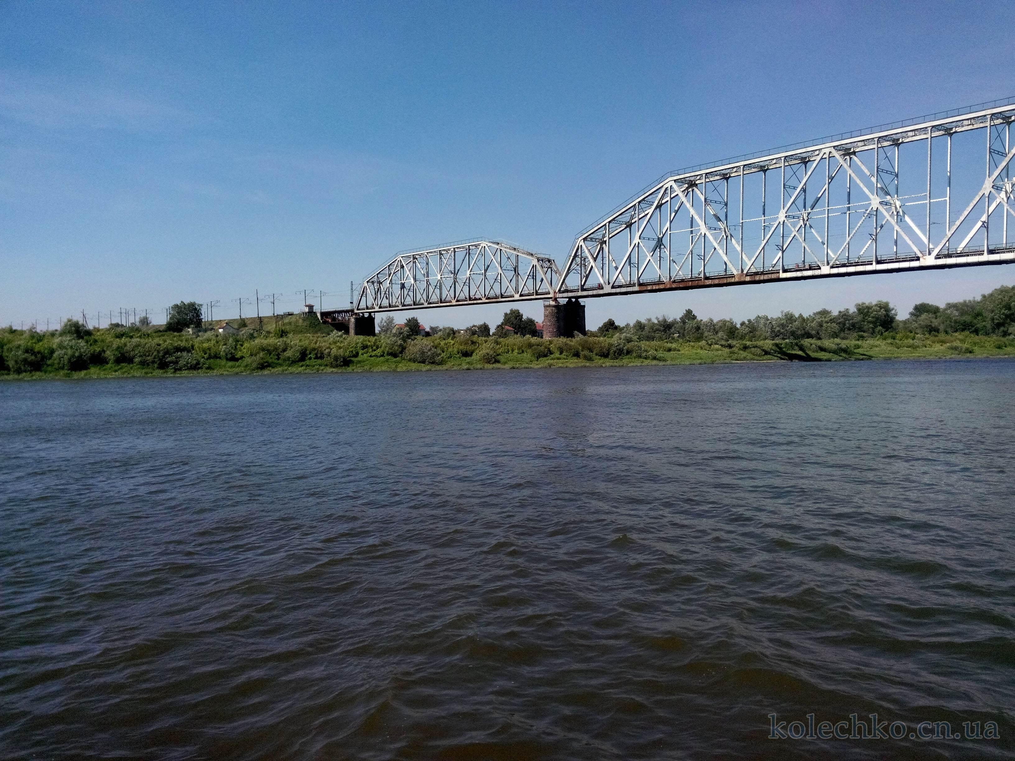 железнодорожный мост на реке Десна, город Чернигов