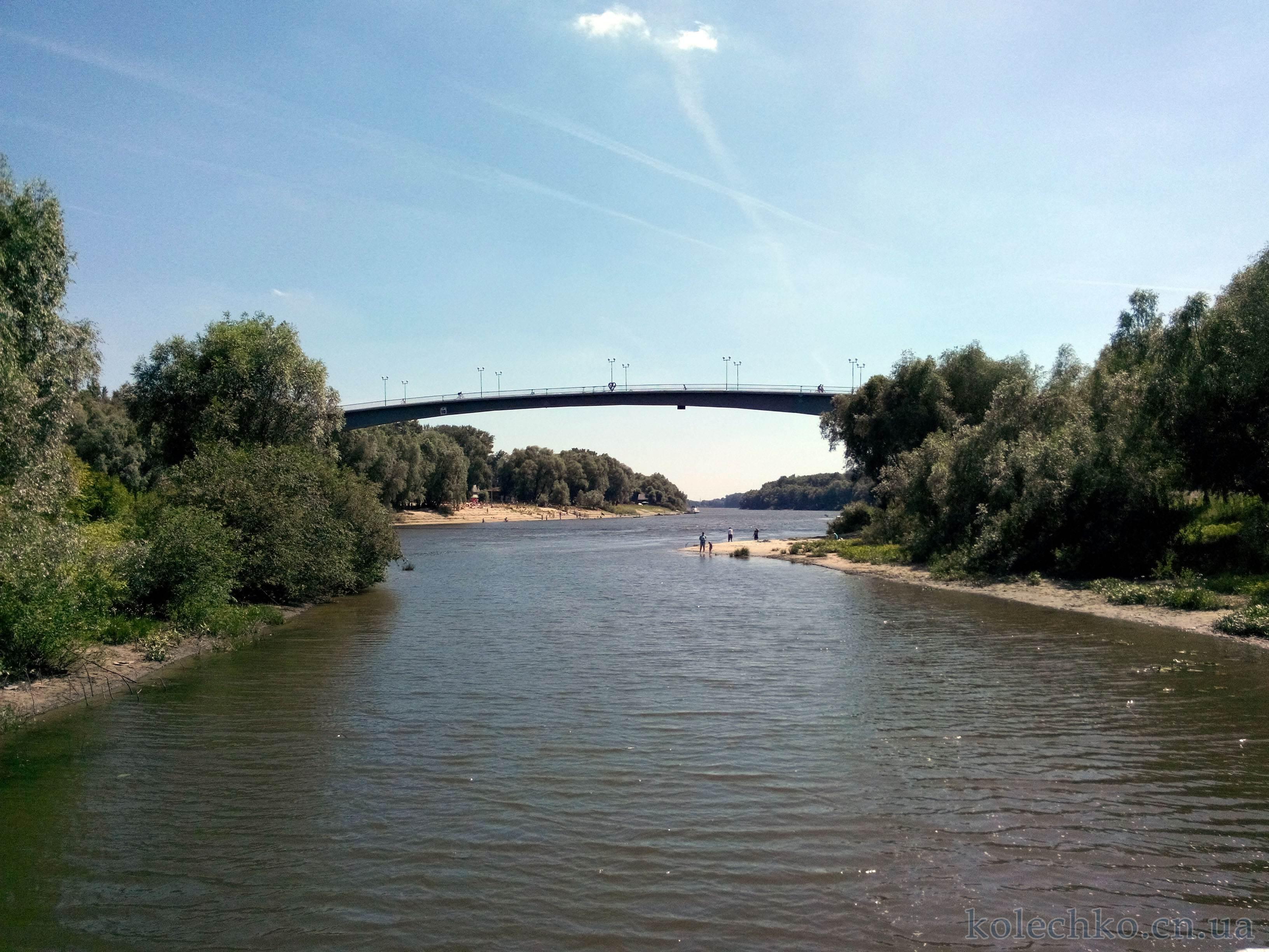 пешеходный мост через реку Десна в г. Чернигове