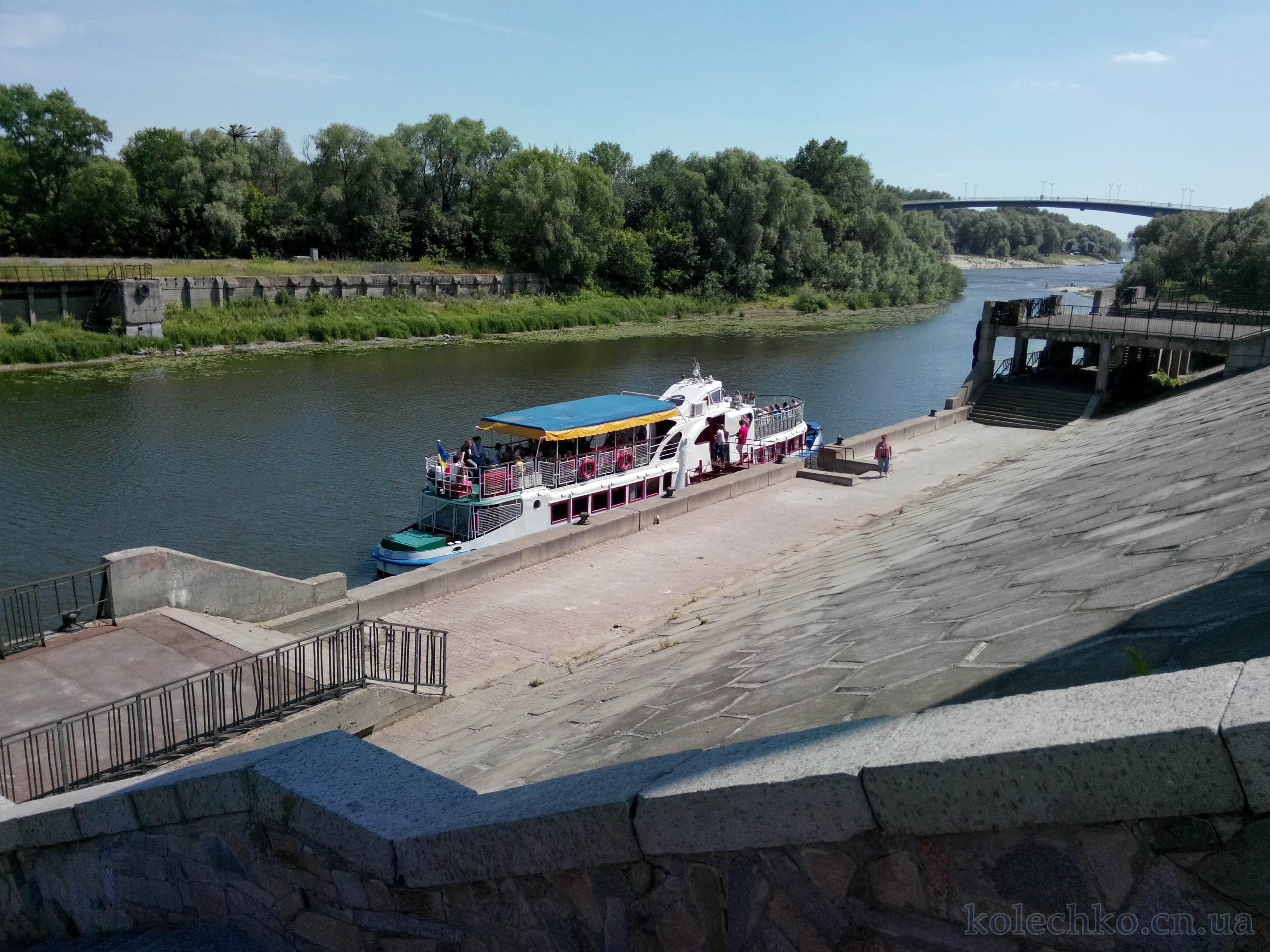 Прогулка на теплоходе с речпорта Чернигова