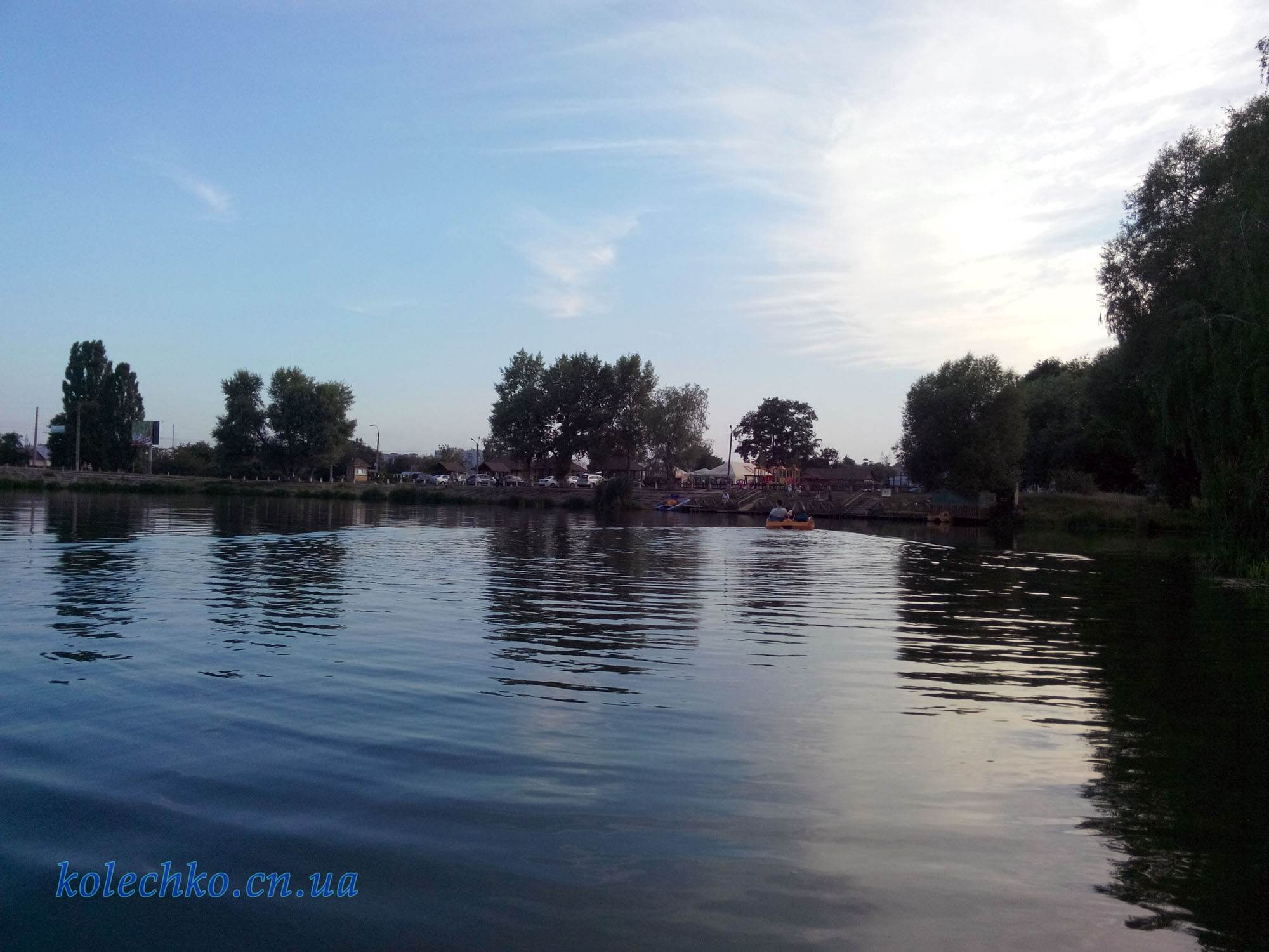 прогулка на катамаране по Чернигову